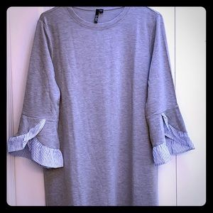 Dresses & Skirts - NWT grey knit dress with sleeve detail 👗